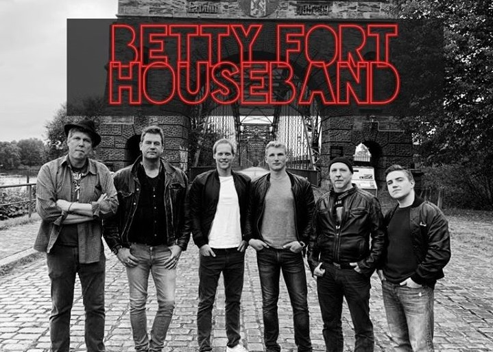 Betty Fort Houseband 2020 Pic6 720px By André Schildt 76278 Fight for Live! Betty Fort Houseband